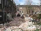 achter de woningen: gesloopt, maart 2012