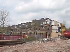 Start van de sloop van het tweede blok woningen, 24 april 2012