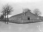 Oude lagre school in de Thijmstraat, hoek Tollensstraat